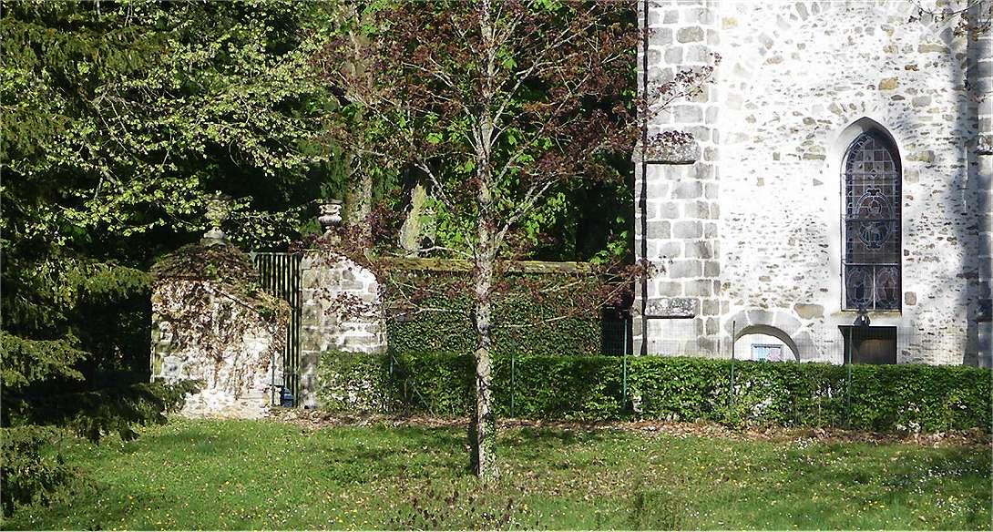 Grille chateau eglise4